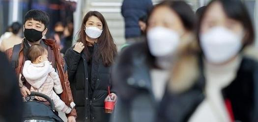 마스크 착용에 피부염은 늘고…英 학술지 'BMJ', 증상별 대처법 공개