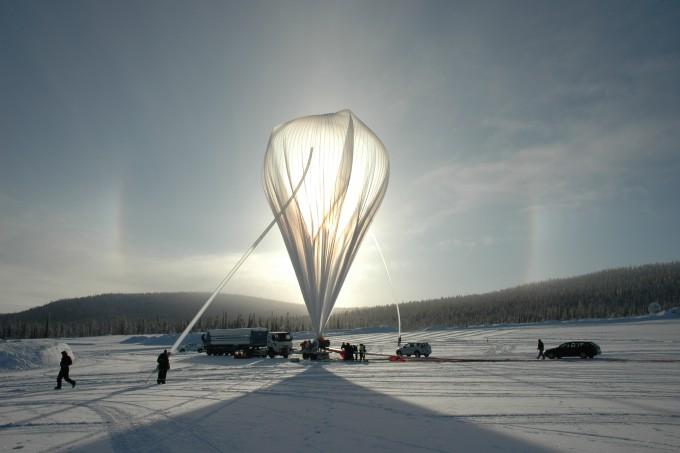 하늘에서 분필 가루가 내려와요…사상 첫 지구공학 실험, 반대 부딪혀 잠정 중단