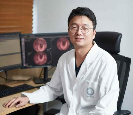 [의학게시판] 은영규 경희대병원 교수, 합병증 1% 아래 갑산성암 수술성공 外