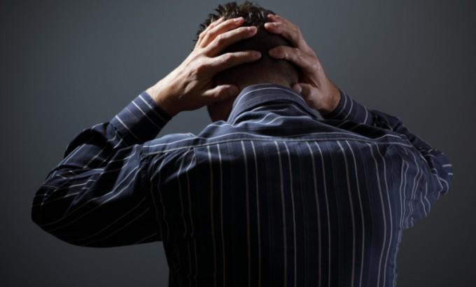 지난 3월에 비해 코로나19로 인해 우울감을 느끼는 비율과 자살 생각을 느끼는 비율은 줄었지만, 여전히 높다는 조사 결과가 나왔다. 전문가들은 조사 기간 동안 코로나19 확진자 수가 감소해 방역이 다소 완화했기 때문으로 보고, 7월 들어 거리 두기를 강화한 탓에 심리지원을 강화해야 한다고 분석했다. 게티이미지뱅크 제공