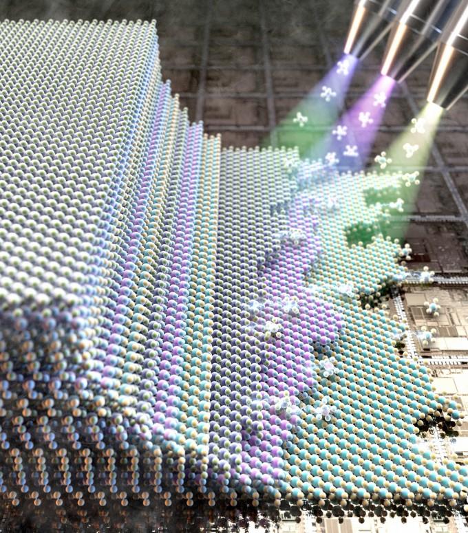 조문호 기초과학연구원(IBS) 원자제어 저차원 전자계 연구단 부연구단장(포스텍 신소재공학과 교수) 연구팀은 서로 다른 원자층 반도체를 차곡차곡 쌓는 물질 성장법을 개발했다. IBS 제공