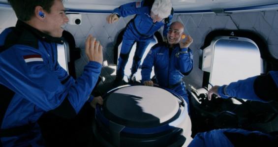 우주 다녀온 브랜슨도 베이조스도, 우주비행사 인정은 못 받을 듯