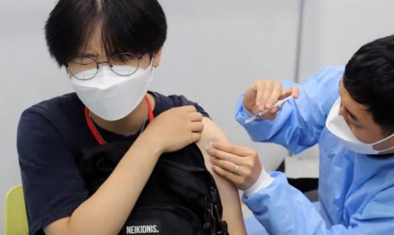 내달 26일 시작하는 18~49세 코로나 백신 접종…언제 어떻게 예약하나