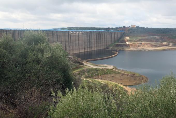 스페인 남부에 설치된 댐. 위키미디어 제공.