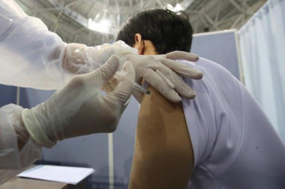 고3 화이자 백신 접종 후 이상반응 다른 연령대와 비슷…어지러움>두통> 메스꺼움 순