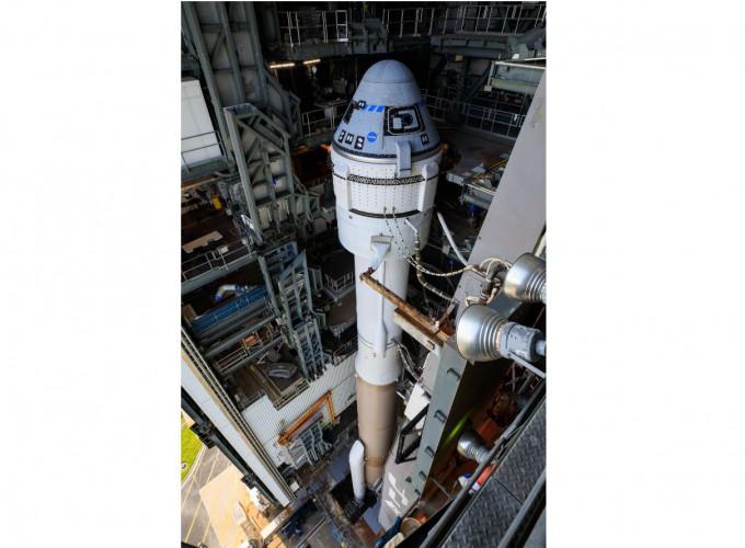 스타라이너가 현지시각 3일 오후 1시 20분(한국시간 4일 오전 2시 20분) 발사를 앞두고 우주발사체 아틀라스V 로켓에 실려있다. NASA 제공