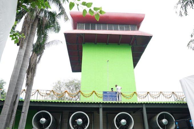 공기오염에 코로나 유행 '이중고' 인도, 25m 초대형 공기정화탑 세웠다