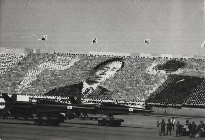 1973년 국군의 날 행사에 선보인 백곰 미사일. 위키피디아 제공