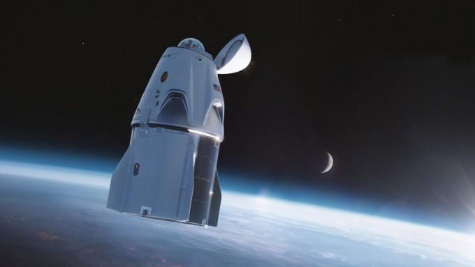 스페이스X의 유인 우주선 크루 드래건이 15일 민간 우주관광에 나선다. 스페이스X 제공