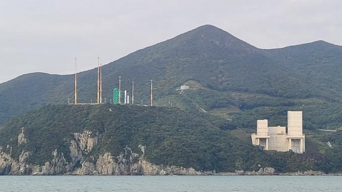 [누리호 발사]누리호 발사대 반경 3km 육상통제 시작…안전 위해 1300여 명 투입